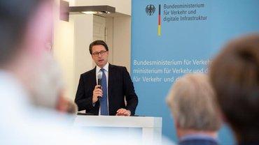 Minister Scheuer