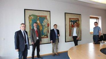 JM Biesenbach und Mitglieder des ver.di-Arbeitskreis Justiz